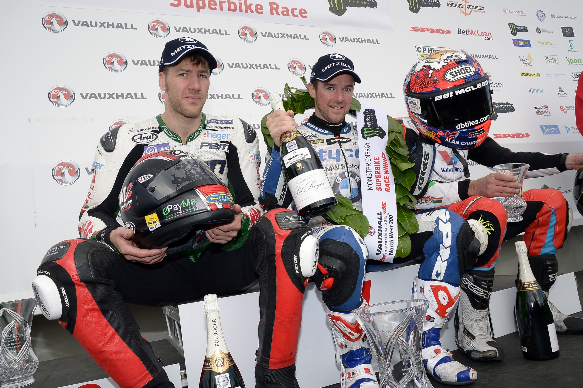 Il pilota METZELER Alastair Seeley  domina la North West 200